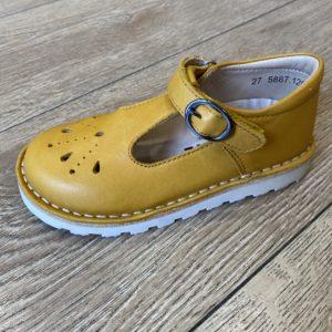 Mustard_tbar_shoe