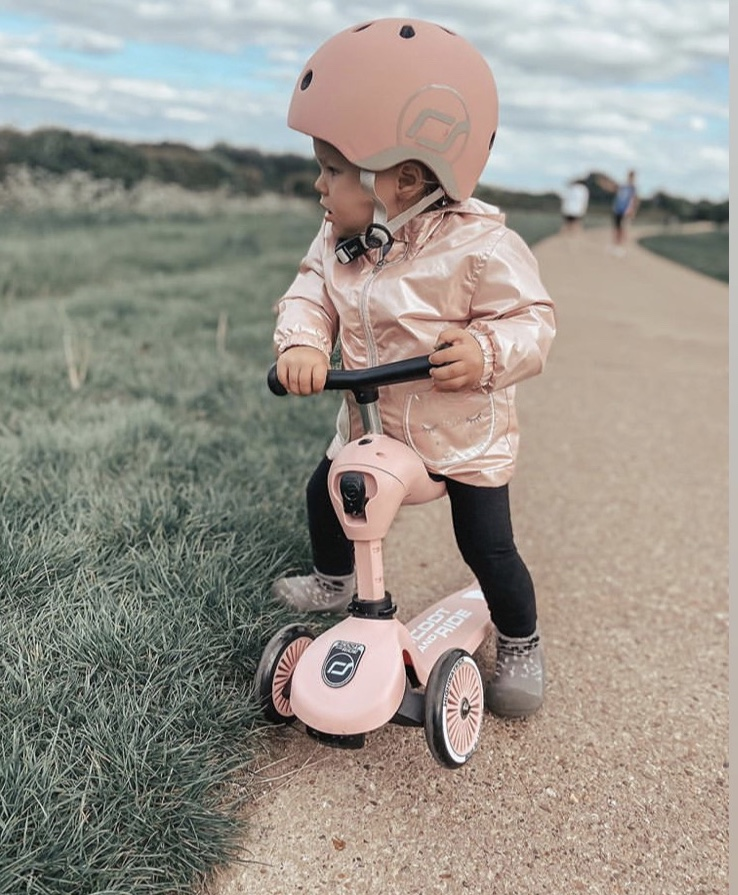 Pink_scooter_kids_scoot_and_ride_uk_girl